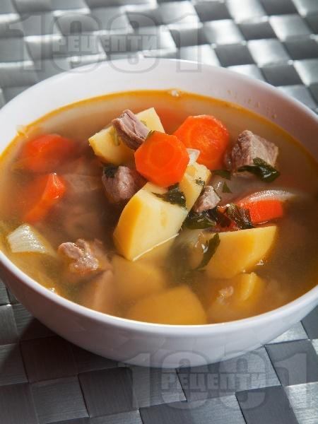 Телешко варено със зеленчуци - картофи, моркови и лук - снимка на рецептата